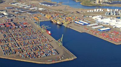 Грузооборот порта Хамина-Котка в январе-апреле 2014 года сократился на 5,7% - до 4,66 млн тонн