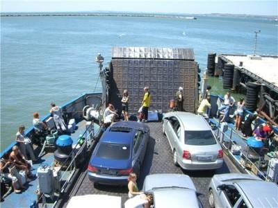 Керченская паромная переправа не справляется с наплывом автотранспорта