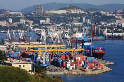 Оборот контейнеров в российских портах Дальневосточного бассейна за первые пять месяцев 2014 года увеличился на 7,1%