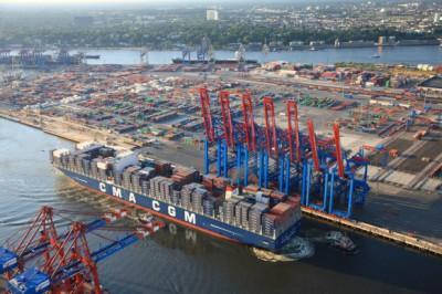 Грузооборот порта Сингапур за 5 месяцев 2014 года вырос на 8,4%